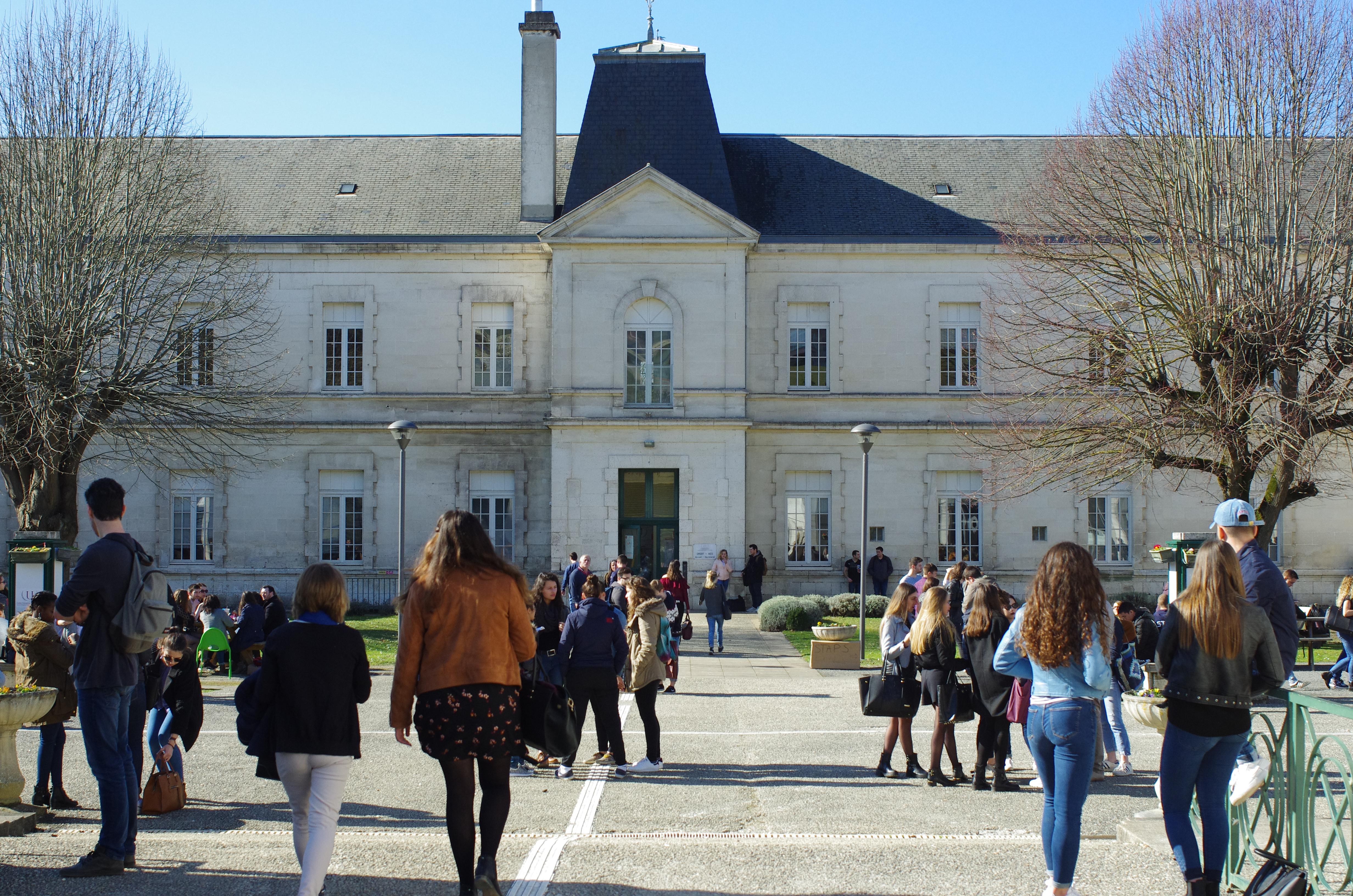 Centre universitaire de la Charente